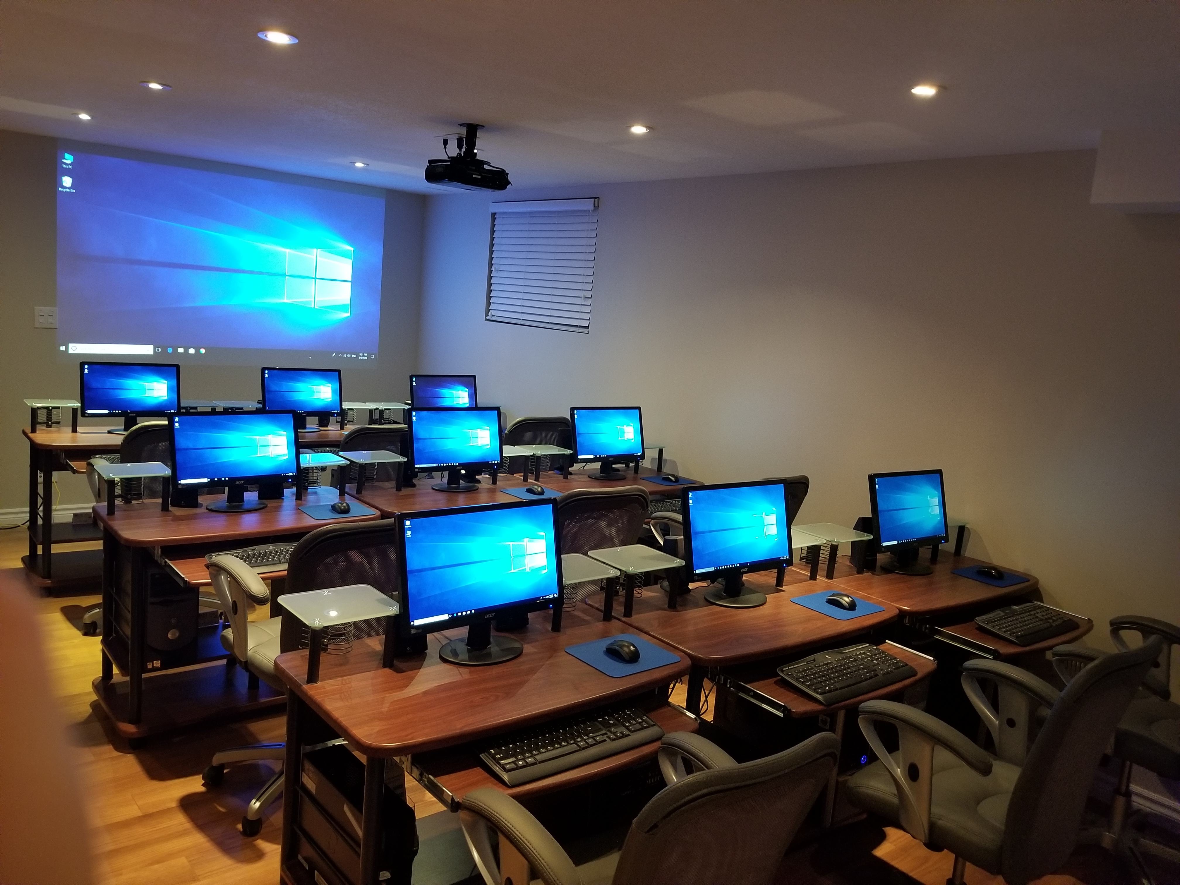 our modern classroom - ezee computer training